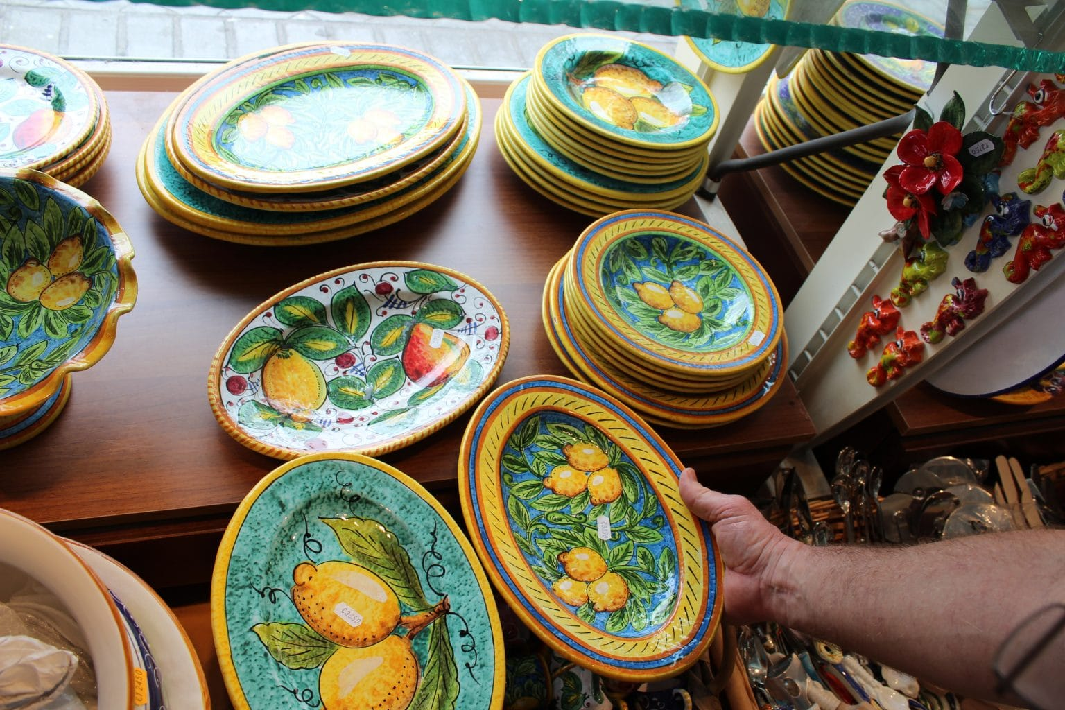 & This History of Italian Ceramics